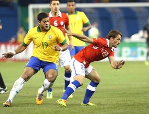 Hulk Brasil e Chile  (Foto: Mowa Press)