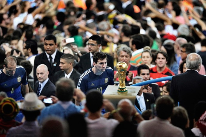 messi taça copa do mundo (Foto: Reuters)