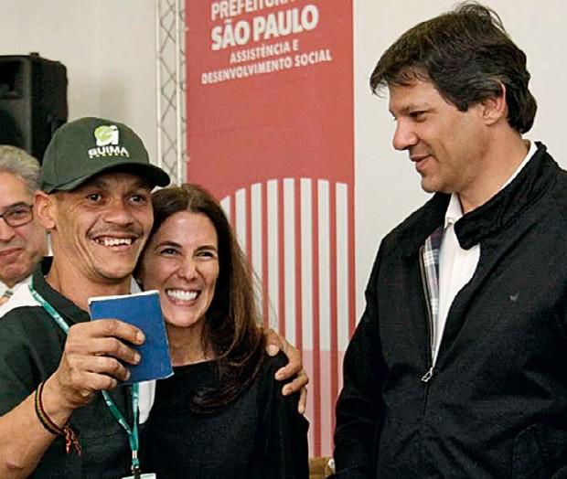 Com o ex-prefeito Fernando Haddad em uma ação na cracolândia (Foto: Arquivo Pessoal)