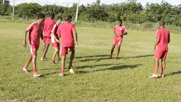 Equipe treina forte mesmo sem saber data da estreia na seletiva. (Foto: Valdivan Veloso / Globoesporte.com)