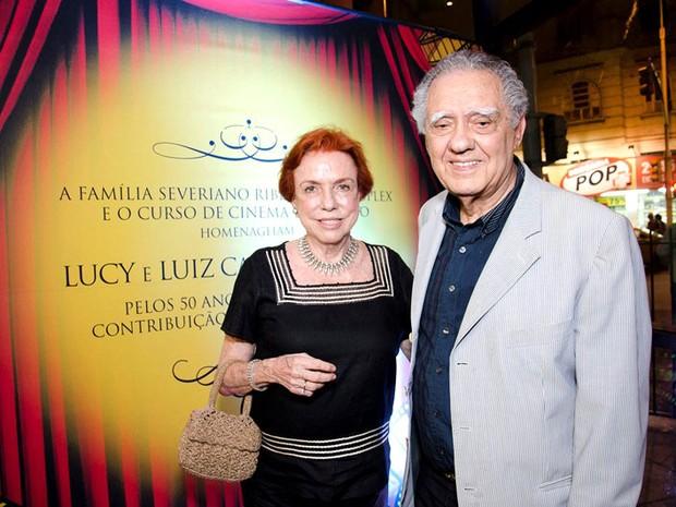 Lucy e Luiz Carlos Barreto durante a homenagem recebida na noite desta segunda (12), no Cinema Roxy, em Copacabana (Foto: Renato Marques/Divulgação)