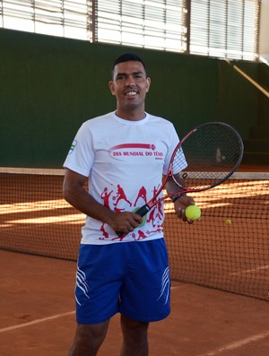 Chupeta jogador de tênis (Foto: Nathacha Albuquerque)