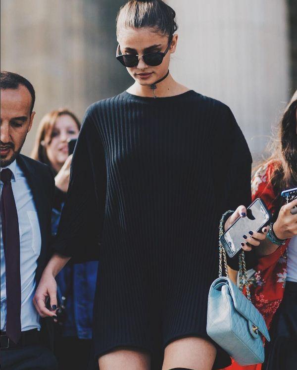 Taylor Hill veste Lilly Sarti em Paris (Foto: Reprodução/Instagram)