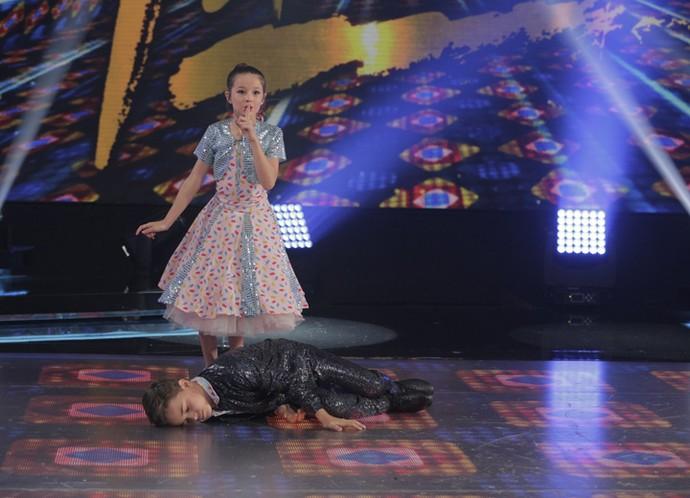 Letícia arrasa na apresentação ao lado de Marcos Paulo (Foto: Inácio Moraes/Gshow)
