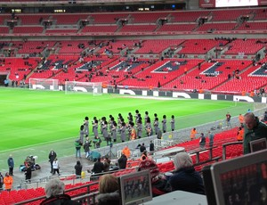 Banda ensaia hinos em Wembley - Brasil x Inglaterra (Foto: Márcio Ianacca)