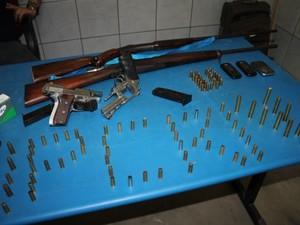 Grupo foi preso e teve material apreendido na região Oeste do RN (Foto: Marcelino Neto / G1)