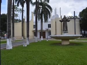 Paróquia São Francisco de Assis em Ariquemes (Foto: Diêgo Holanda/G1)