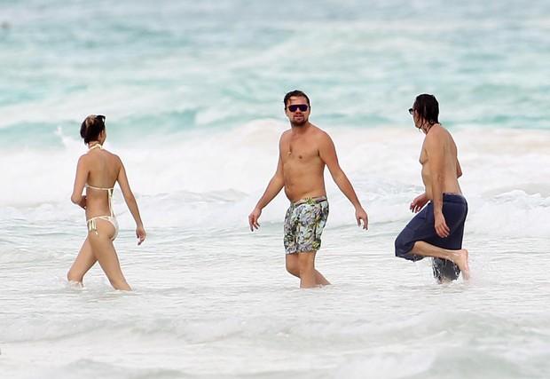 Leonardo DiCaprio e amigos no México (Foto: The Grosby Group)
