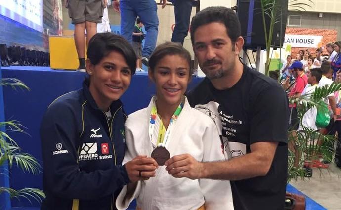 Michelly Marinho bronze nos Jogos Escolares (Foto: Arquivo Pessoal)