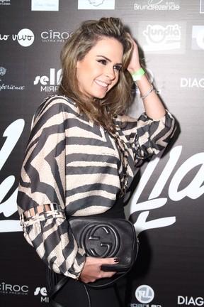 Ex-BBB Ana Paula em festa no Rio (Foto: Anderson Borde/ Ag. News)