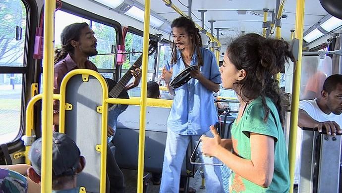 Som de Buzão leva animação para o transporte público (Foto: TV Sergipe)