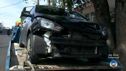 Ambulante morre atingida por moto enquanto levava carrinho de lanche