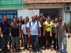 Professores protestam contra falta de limpeza em escola de Boa Vista