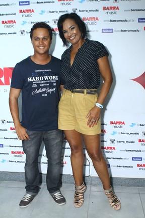 Solange Couto com o marido, Jamerson Andrade, em casa de shows na Zona Oeste do Rio (Foto: Raphael Mesquita/ Foto Rio News)