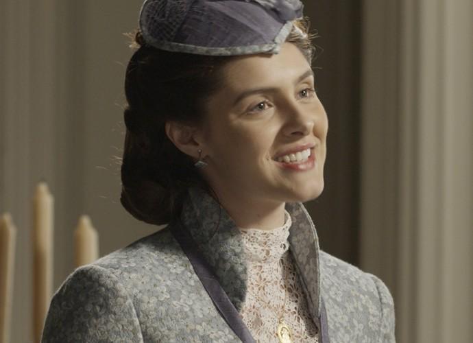 Na primeira fase da trama, Berenice era uma mulher reprimida pelos costumes da época (Foto: TV Globo)