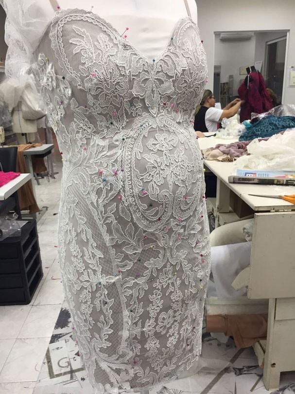 Montagem do vestido de Rafa Brites (Foto: Reprodução)