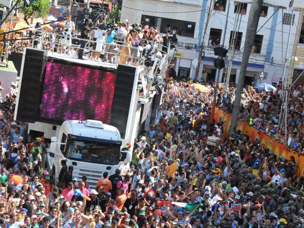 Ivete Sangalo desfila no quinto dia do carnaval (Foto: Eduardo Freire/G1)