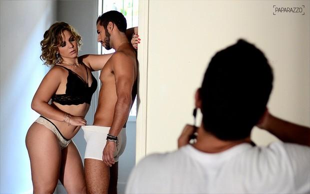 Making of Maria Claudia, a Cacau, e Matheus em fotos inéditas para o Paparazzo (Foto: Roberto Teixeira / Paparazzo)