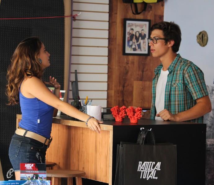 Nanda não quer obedecer Filipe (Foto: Rodrigo Brisolla/Gshow)