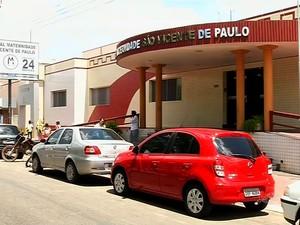 Hospital de Barbalha corria risco de fechas as portas (Foto: TV Verdes Mares/Reprodução)