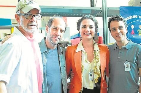 'Conselho tutelar': Rudi Lagemann com Roberto Bomtempo, Gabriela Haviaras e Paulo Vilela  (Foto: Munir Chatack/Record)