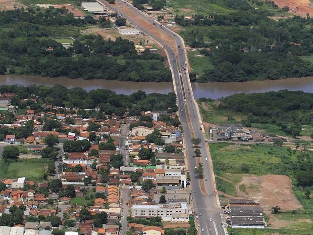 Obras do corredor viário Mário Andreazza, entre Cuiabá e Várzea Grande, estão em fase final, segundo a Secopa. (Foto: Edson Rodrigues/Secopa)