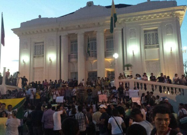Manifestantes Acre (Foto: Rayssa Natani/G1)