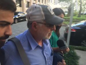 Paulo Roberto Costa deixa a Justiça Federal no Rio após prestar depoimento (Foto: Alessandro Ferreira/G1)