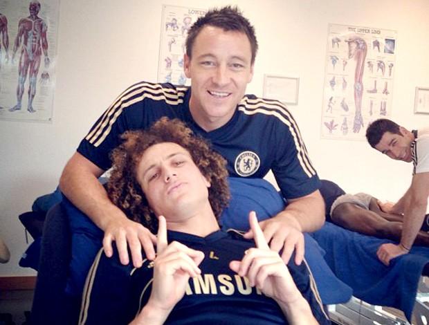 David Luiz e Terry treino Chelsea (Foto: Reprodução / Twitter)