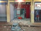 Criminosos explodem dois caixas eletrônicos em Caçapava, SP