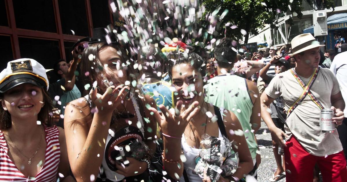 Blocos de carnaval do Rio devem atrair 977 mil turistas em 2015 - Globo.com