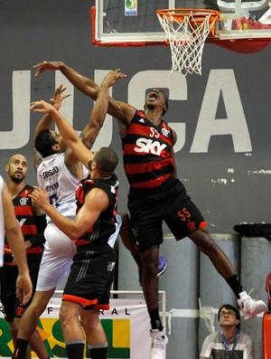 Jerome Meyinsse Flamengo x Minas NBB (Foto: Gilvan de Souza / Flamengo)