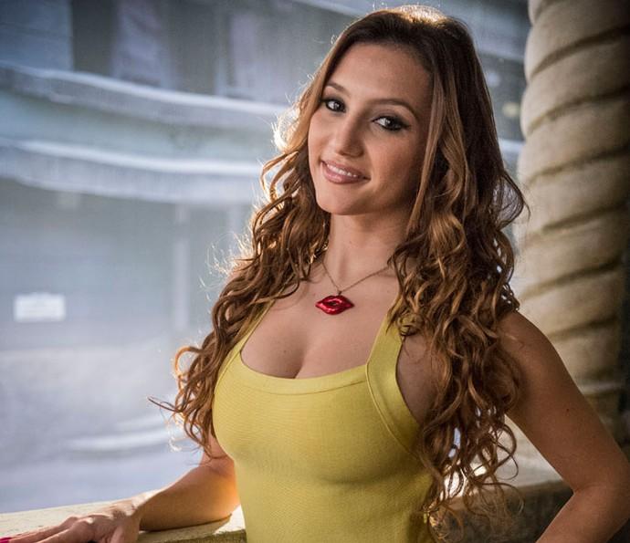 Abigail é vivida por Lorena Comparato (Foto: Globo/Renato Rocha Miranda)