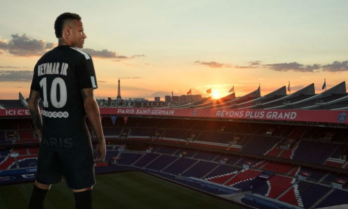 BLOG: Neymar vira modelo no lançamento da terceira camisa do Paris Saint-Germain