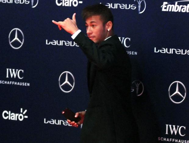 Prêmio Laureus - Neymar saindo do prêmio (Foto: André Durão)