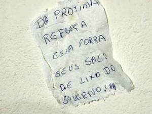 Presos fugiram e deixaram bilhete para a polícia da BA (Foto: Lay Amorim/Brumado Notícias)