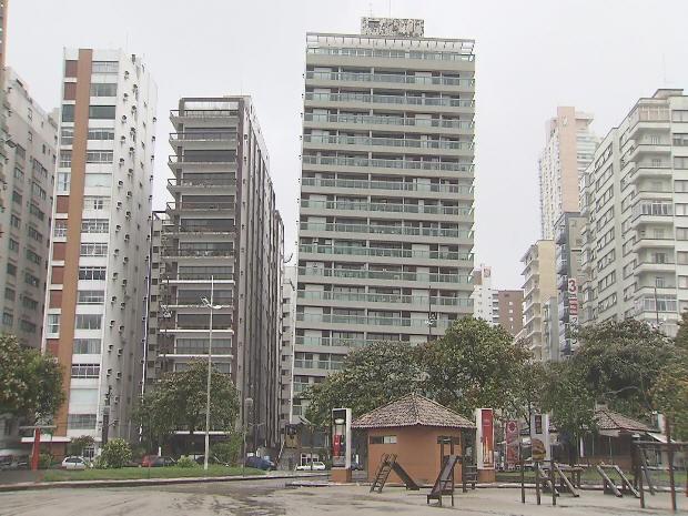 Prédios tortos em Santos (Foto: Reprodução/TV Tribuna)
