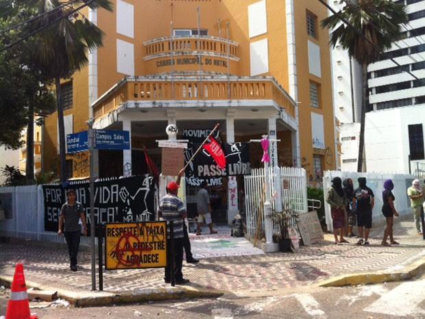 Manifestantes acampam na Câmara Municipal de Natal desde o dia 15 (Foto: Fernanda Zauli/G1)