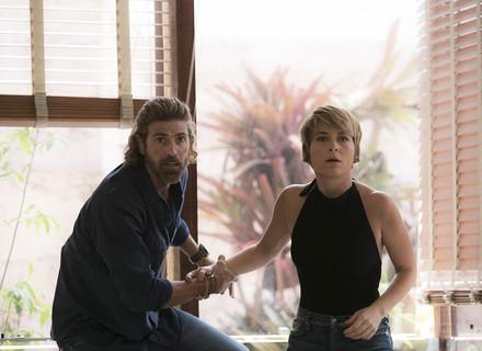 Helô e Pedro invadem galeria e fazem descoberta chocante