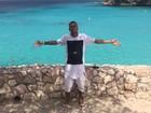 MC Duduzinho curte as praias paradisíacas do Caribe