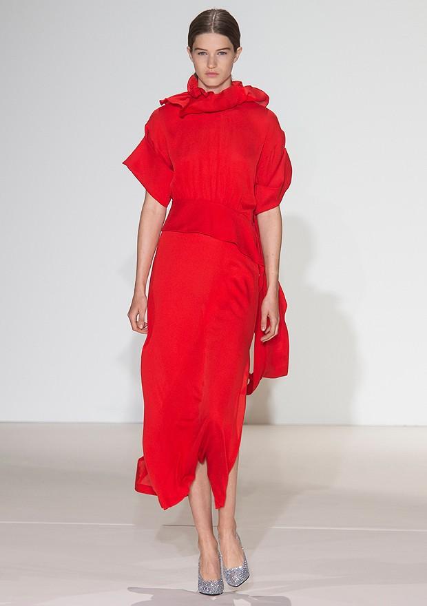 Vestido vermelho de Victoria Beckham (Foto: ImaxTree/ Divulgação)