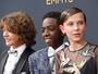 Elenco de 'Stranger Things' rouba a cena no tapete vermelho do Emmy