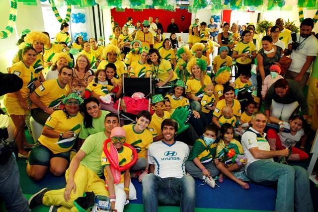 Kaká visita GRAAC (Foto: Divulgação)