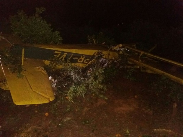 [Brasil] Avião agrícola cai em fazenda de Botucatu e piloto morre Acontece