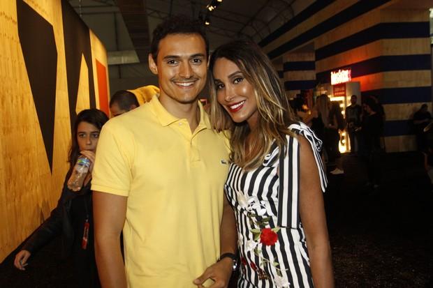 Carol Marra e Alexandre Bernardes (Foto: Celso Tavares / EGO)