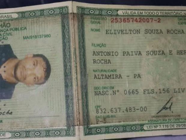 Nilson apresentou identidade falsa ao ser preso no Alemão, nesta sexta-feira (4) (Foto: Polícia Militar/Divulgação)