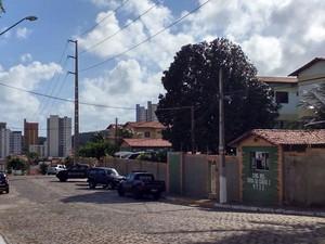 Na manhã deste sábado (14) negociações continuavam no local (Foto: Bessie Cavalcanti/Inter TV Cabugi)
