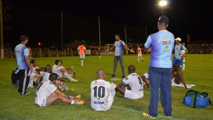 Simônio Veiga e time do União Cacoalense (Foto: Magda Oliveira)