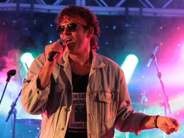 Valério Cazuza, subiu ao palco à 1h20 e interpretou o grande poeta Cazuza (Foto: Victor Mattioni/Arquivo pessoal)
