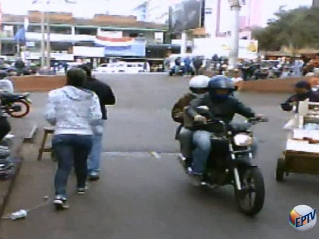 Polícia Civil de Campinas encontrou celulares roubados da Samsung no Paraguai (Foto: Reprodução/EPTV)